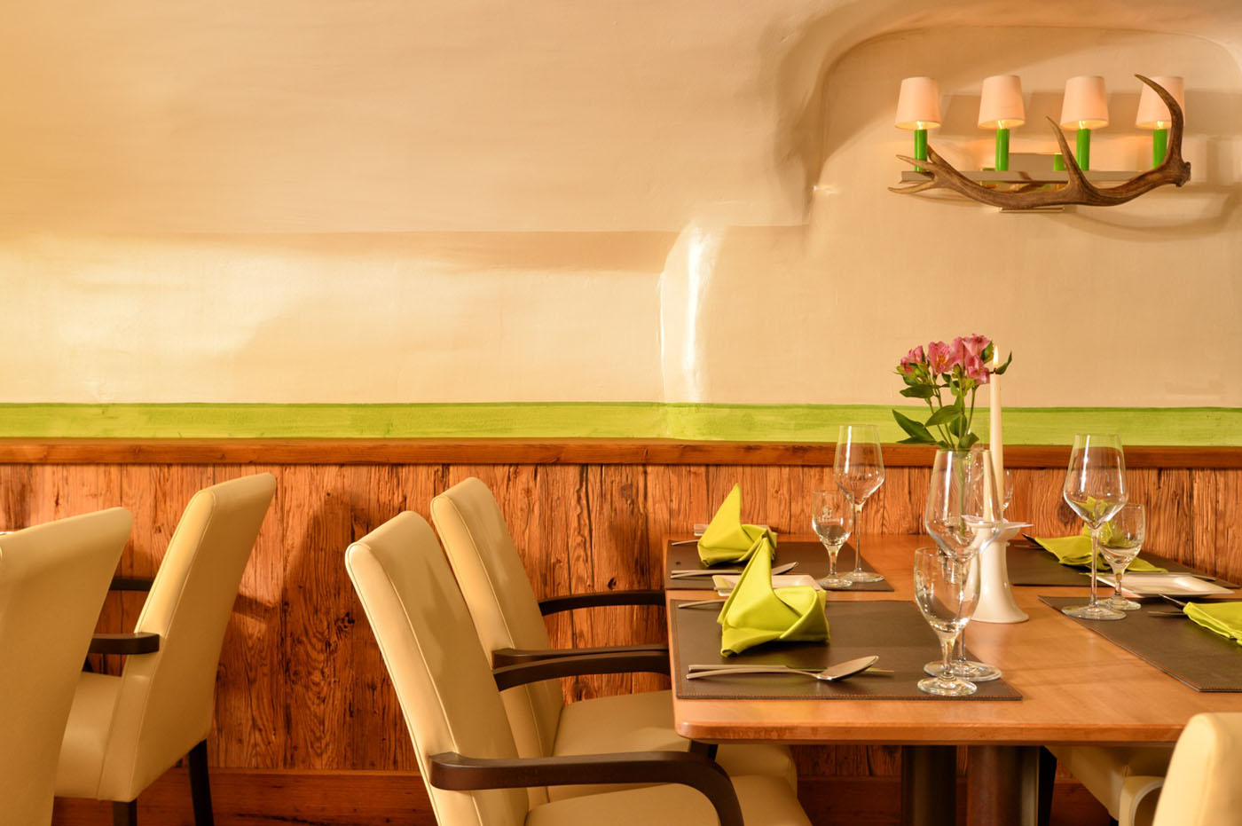 posthotel schladming stainer sun wood. Black Bedroom Furniture Sets. Home Design Ideas