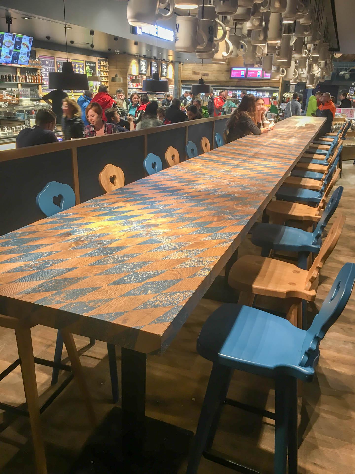 Riesiger Tisch