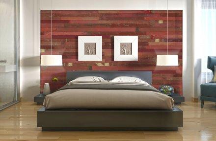 Wandverkleidung aus Holz rot