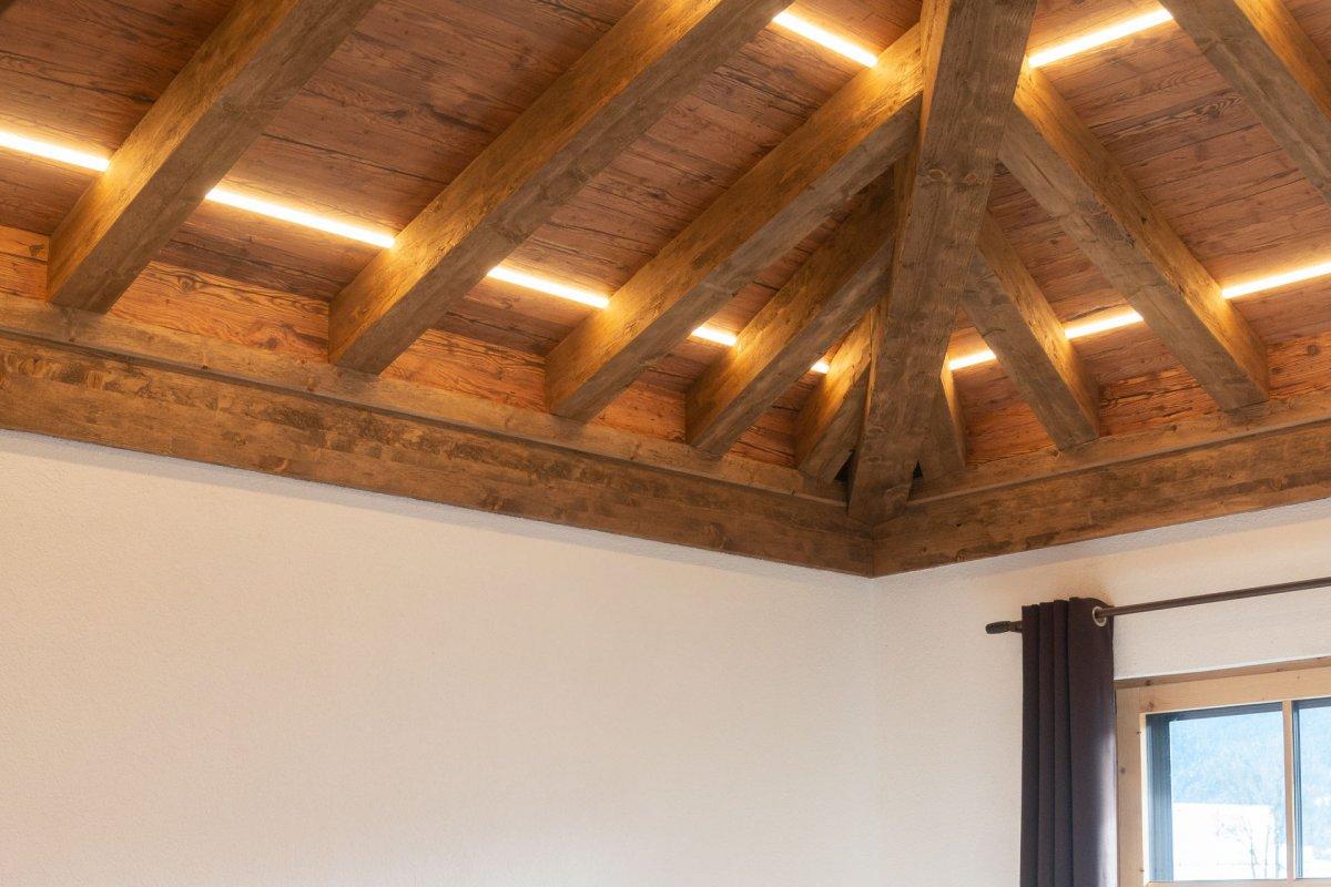 Statisch planbares Altholz für Dachstühle & Schalungen   SUN WOOD
